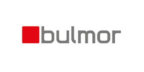 Wer einen besonders belastbaren Stapler sucht oder sich für Speziallösungen interessiert, sollte sich näher mit dem Hersteller bulmor befassen.