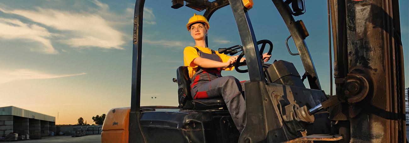 Nicht nur Männer fahren Gabelstapler - auch für Frauen ist dieser Beruf durchaus attraktiv.