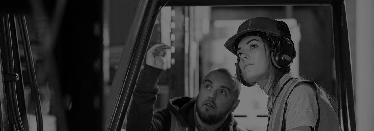 Ist für den Beruf des Staplerfahrers Arbeitskleidung vorgeschrieben?